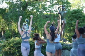 Dancewave Company performs Andrea Miller's 'Wonderland' at Pocantico Center in Tarrytown NY. Image Credits: Wenting Sun